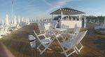 бели дървени столове за градини