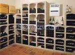 стелажи от дърво за съхранение на вино