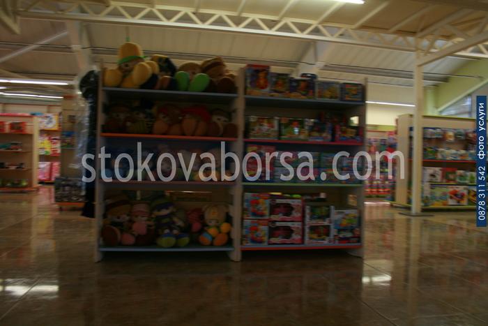 стелажи за магазини за детски играчки