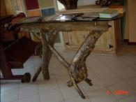 Дизайнерска маса от масив по поръчка